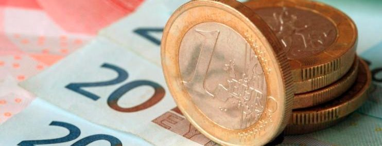 Центробанк поднял выше 70 руб. официальный курс евро