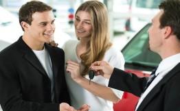 Выдача автокредитов сократилась за год на 46%