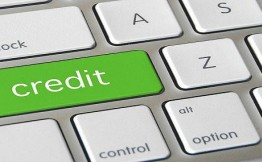 Более трети ипотечных заёмщиков, погашая необеспеченные кредиты, допускают просрочки